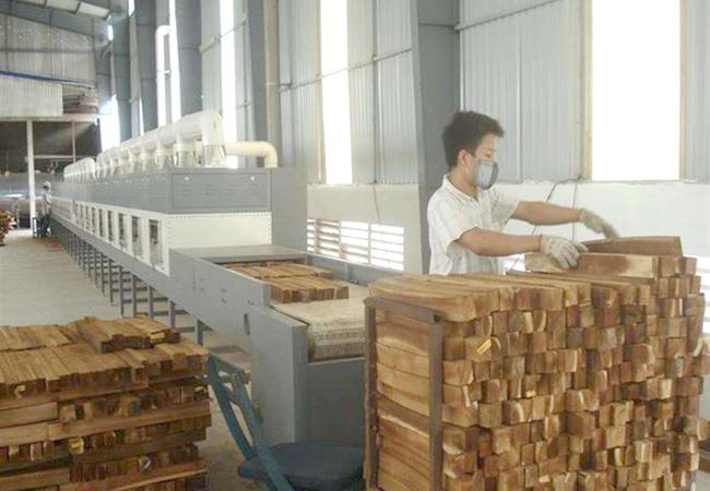 微波木材干燥设备与传统木材干燥相比有哪些优点?